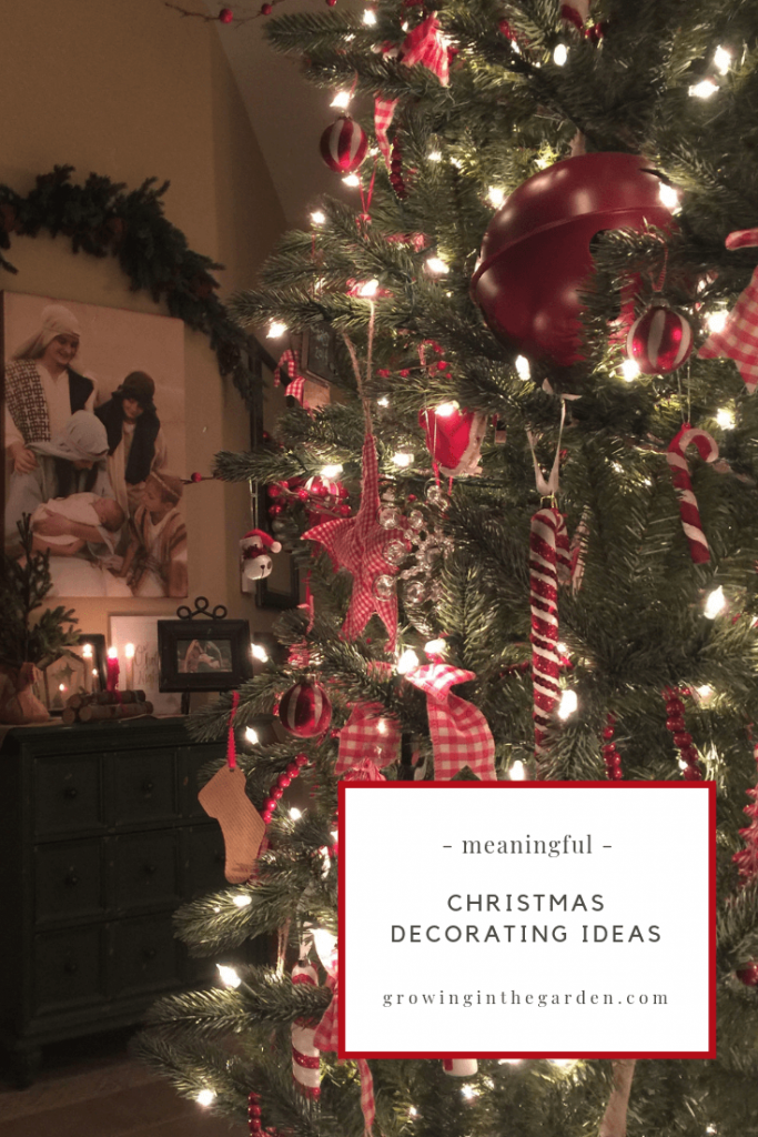 Meaningful Christmas Decorations Vintage Christmas Decorating Ideas #christmasdecorating #christmas #christmasdecorations #vintagesanta #